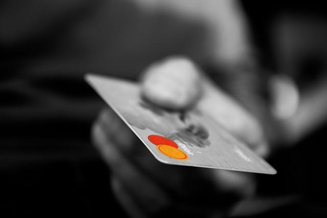 現役ブラックリストが審査に通ったクレジットカード
