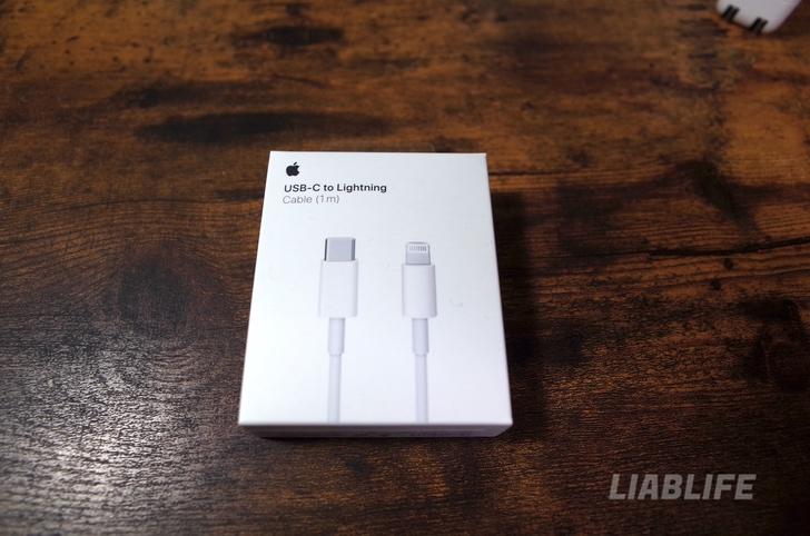 Apple純正のUSB-Cケーブル