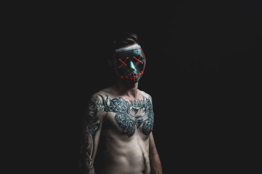タトゥーに対する日本の厳しい態度と偏見