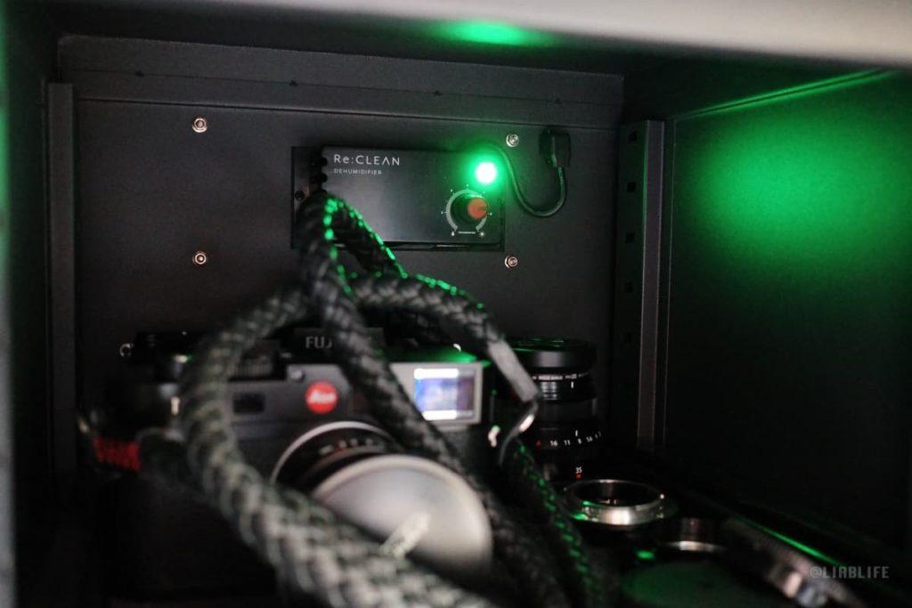 稼働中はこんな感じで緑のLEDが点灯。