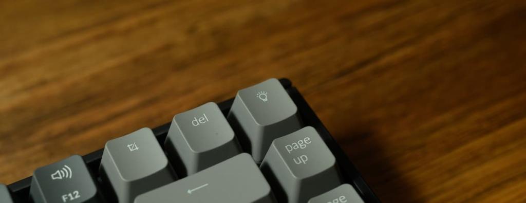 RGBライティングは右上のキーで切替可能