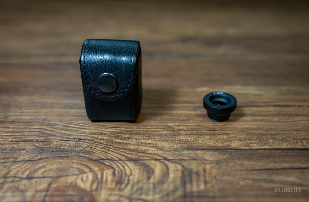 マグニファイヤーをしまっておける革製のケース