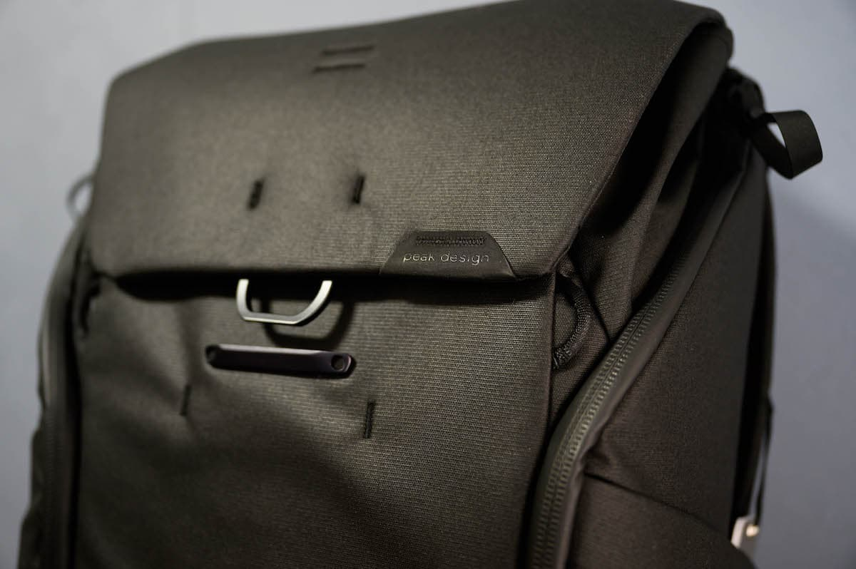 peak design「EVERYDAY BACKPACK V2」は買いだね!