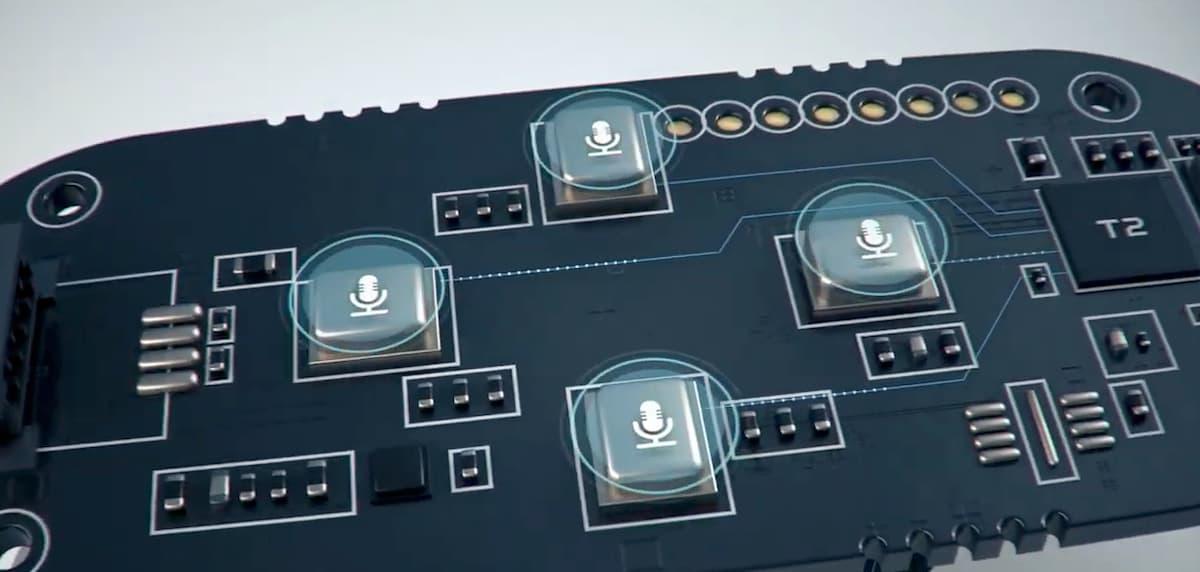 4方向の音声を自動識別して録音&テキスト化してくれるようになっている