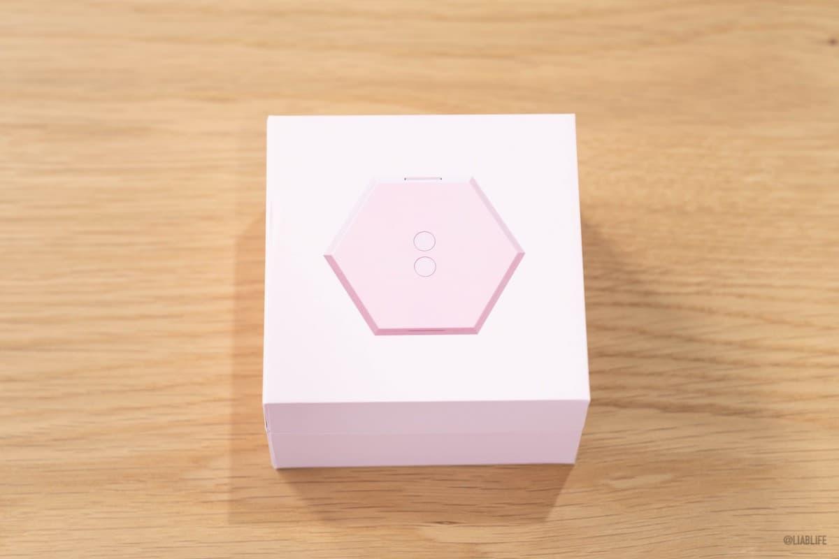 BUTTONS Air X は、ピンクと黒の2種類が用意されています