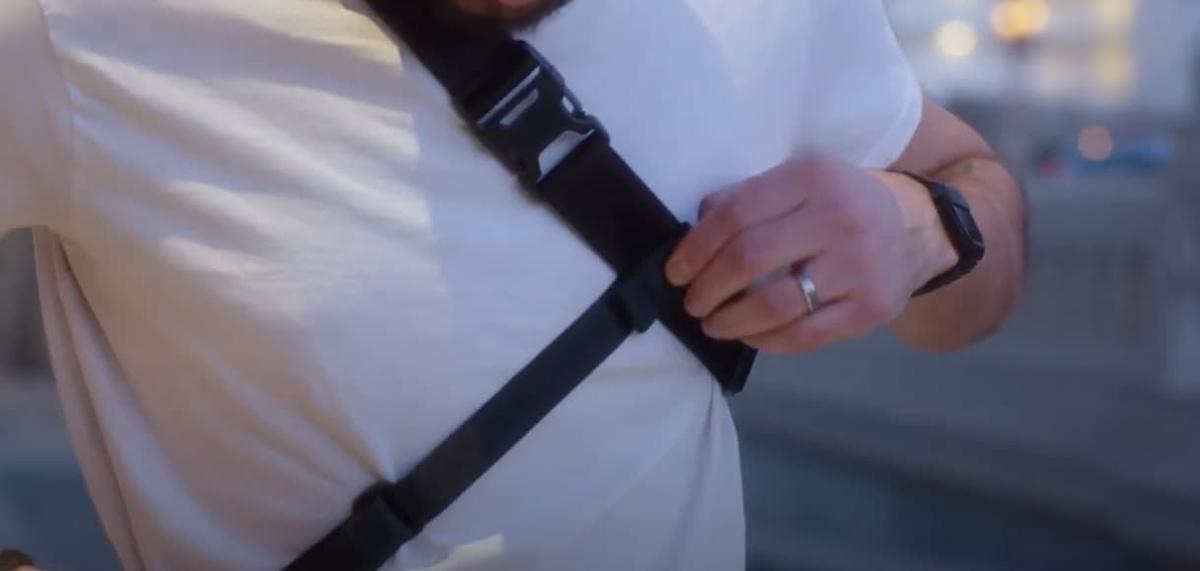 バッグをしっかりと固定するベルトとして使用することができます。