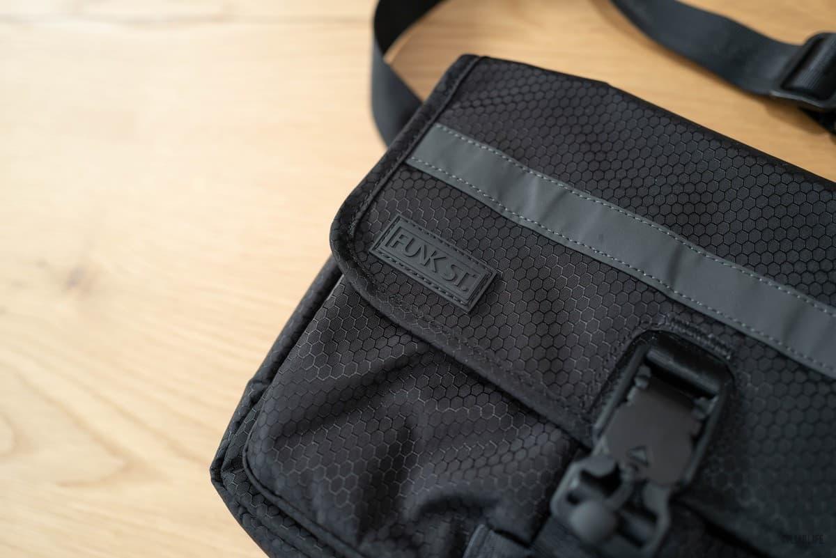 iPadバッグ「Commuterpak」レビュー